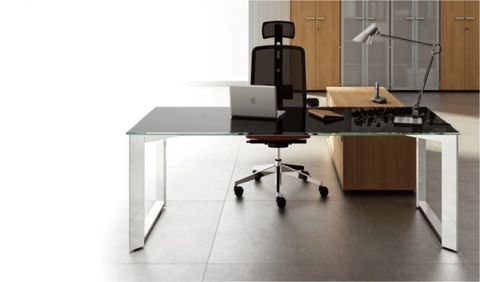 Giotto M3 - Mesa Reta Executiva